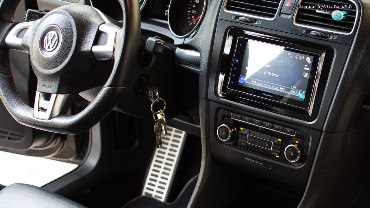 Mk5 mk6 golf gti 2016 car golf mk5 radio golf mk5 mk6 car stereo dvd - Since Both Me And My Wife Have Iphones We Decided To Explore Native Apple Solutions The Choice Here Is Between Alpine Ilx 007 And Pioneer App Radio 4