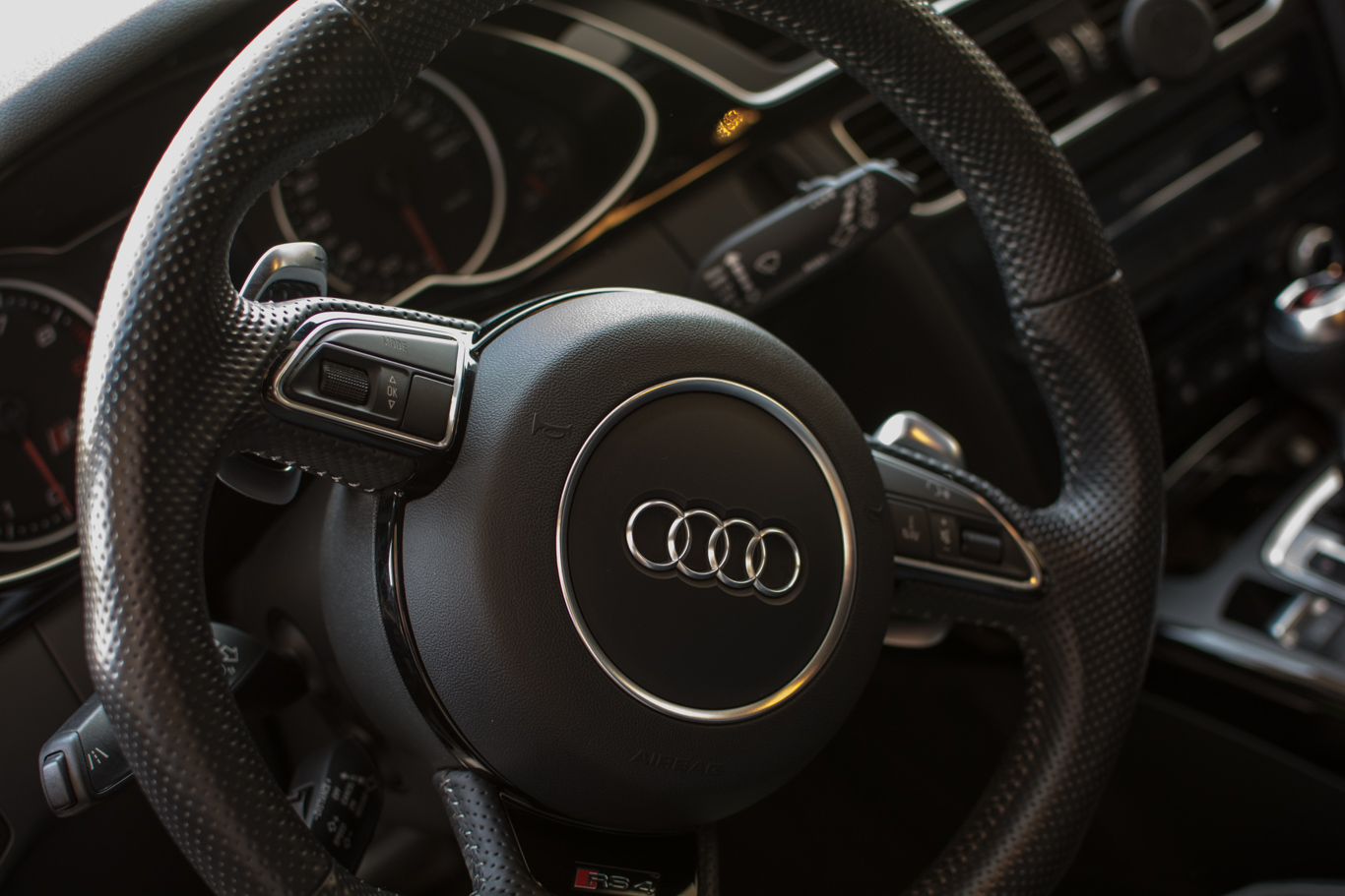 Rs4 B8 Steering Wheel Controls Missing Prev Next Rs246 Com Forum The World S 1 Audi R S And Rs Enthusiast Community
